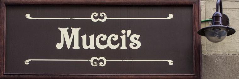 Mucci's café